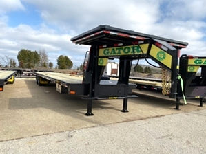 Air Ride Hotshot Trailer With Deck On Neck  Air Ride Hotshot Trailer With Deck On Neck. Air Ride Hotshot Trailer with additional storage above the neck