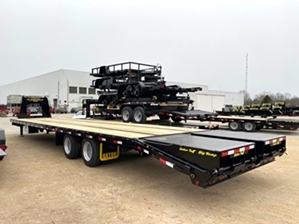 Air Ride Gooseneck Trailer 12k Air Ride Gooseneck Trailer 12k. With big ramp system and extra storage tool box.